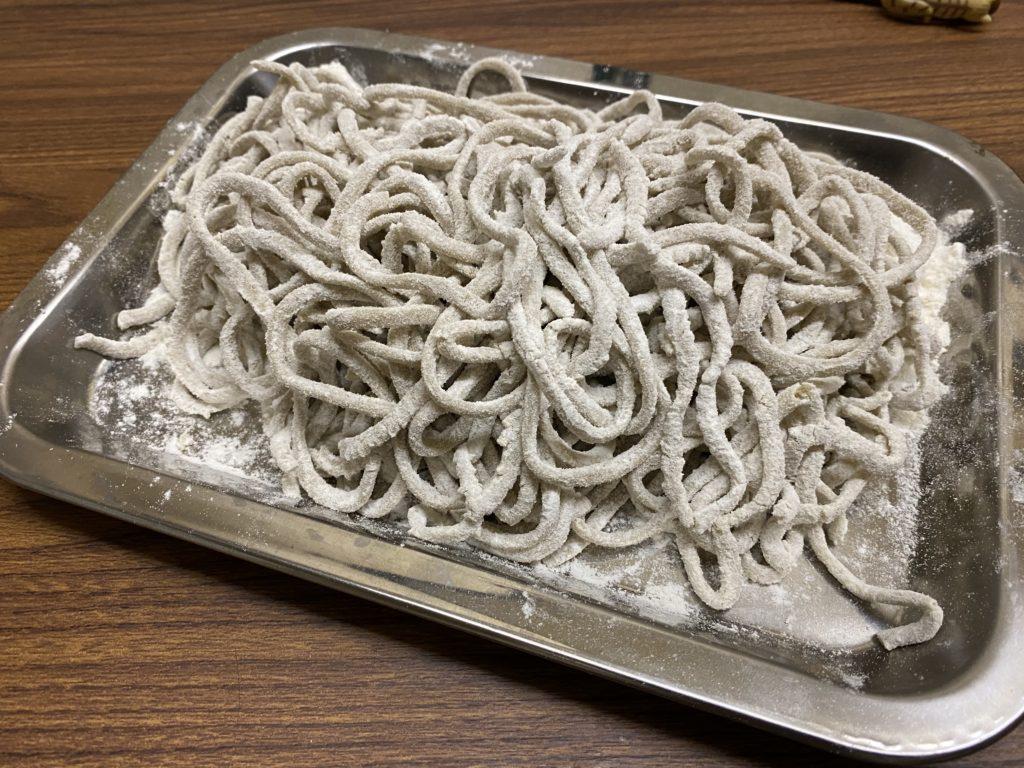 コオロギ麺